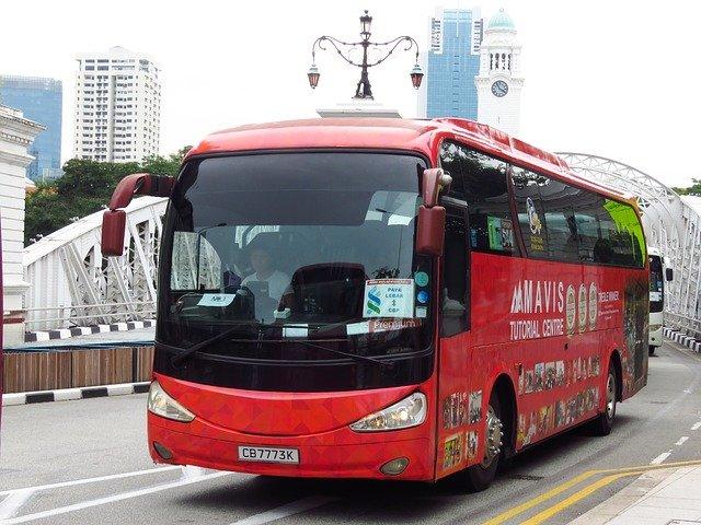 červený autobus.jpg