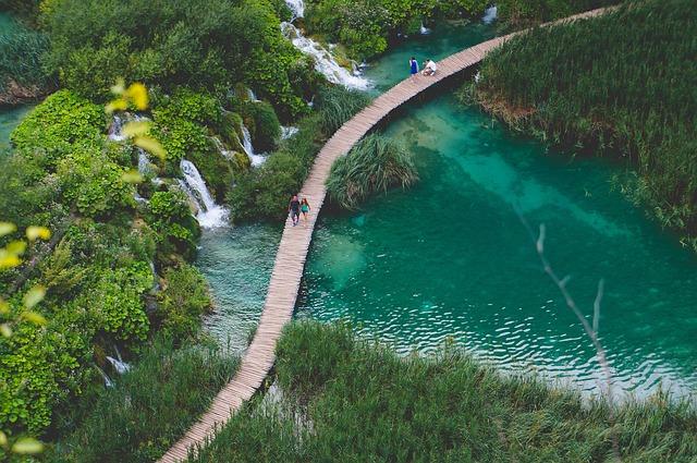 letecký pohled na vodopád.jpg