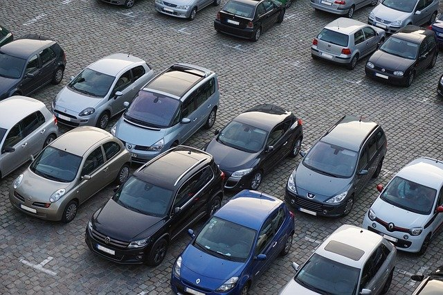 zaparkovaná auta.jpg