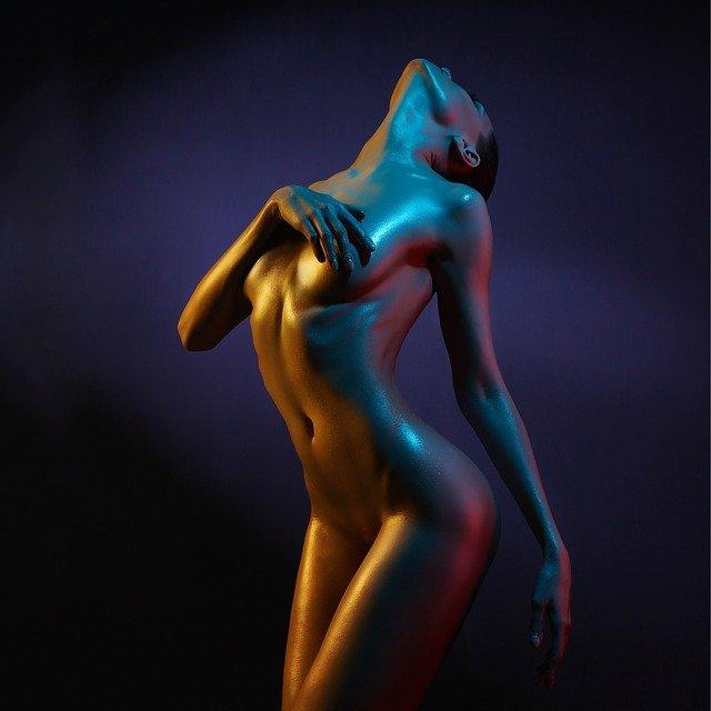 nahé tělo ženy